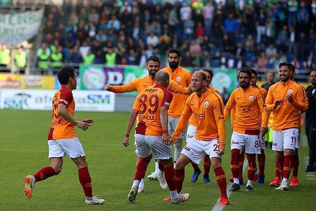 9.dakikada Feghouli'nin golüyle Galatasaray 0-1 öne geçti.