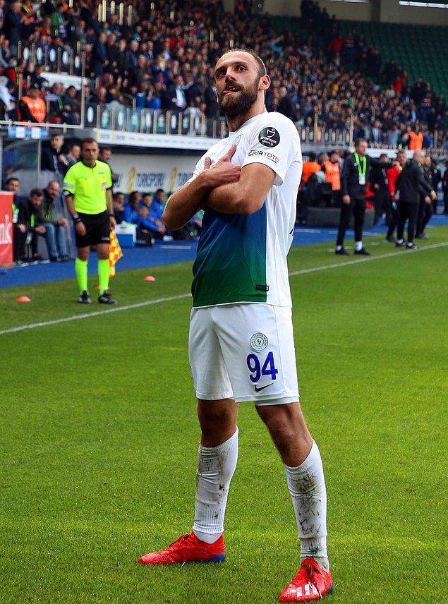 45.dakikada Muriqi'nin golüyle devre 1-1 sonuçlandı.
