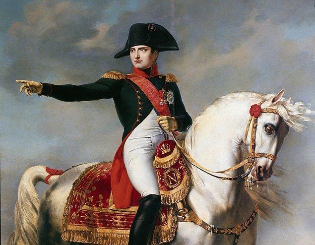 1804 - Napolyon Bonapart, Fransa İmparatoru ilan edildi.