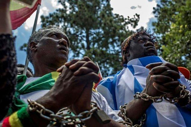 18. 2007 yılına kadar Moritanya'da kölelik halen yasaldı. Günümüzde bölge nüfusunun %1-4'ü halen köle olarak yaşamakta.
