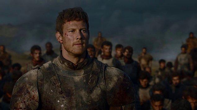 Zaman geçti, Dany'nin taht yürüyüşü başladı. Westeros'u savunan Tarly ailesinin lideri ve oğlunu da diz çökmediği için yakmasını es geçmeyelim lütfen.