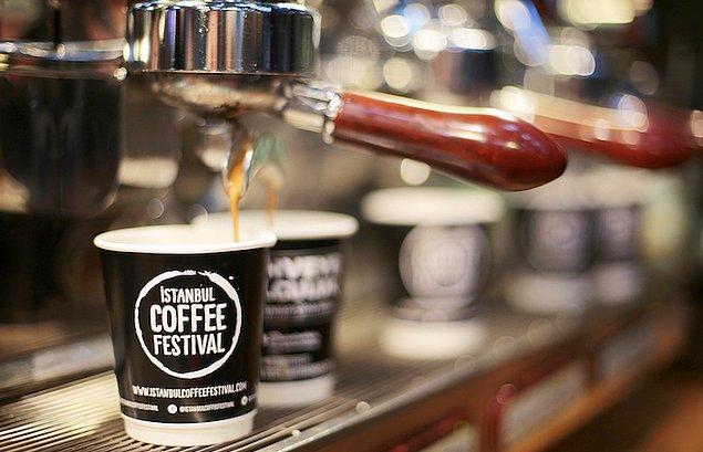 15. Kahve tutkunlarının en sevdiği festival var sırada. 6 yıldır düzenlenen İstanbul Coffee Festival, 4 gün boyunca kahve tutkunlarını kahveye doyuracak.