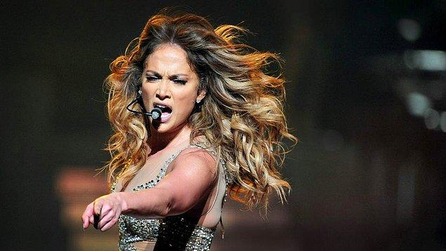3. Tüm dünyanın hayran olduğu Jennifer Lopez Antalya'yı sallayacak! Şu an için en pahalı biletlere sahip olan konser, 6 Ağustos gecesi Regnum Sahnesi'nde gerçekleşecek.