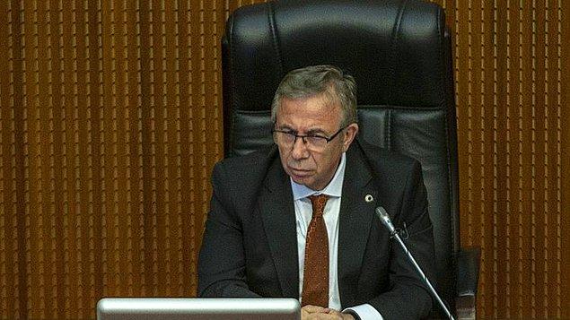 3. Belediye meclisinde yetkilerinin alınmasının istendiğini ancak buna izin vermeyeceğini ifade eden Mansur Yavaş, geçtiğimiz yıllarda 1 milyar TL'ye verilen ihalenin bu yıl 188 milyona mal edildiğini açıkladı.