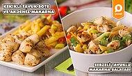 Yemek Keyfini İkiye Katlarken, Zahmetini Yarıya Düşürün! Mis Kokulu Kekikli Tavuk Sote ve Yanına Akdeniz Makarna Nasıl Yapılır?