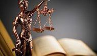 Görevden Uzaklaştırıldı: Hakim, Kadın Avukatın Etek Boyuna 'Kısa' Dedi ve Fotoğraflanmasını İstedi