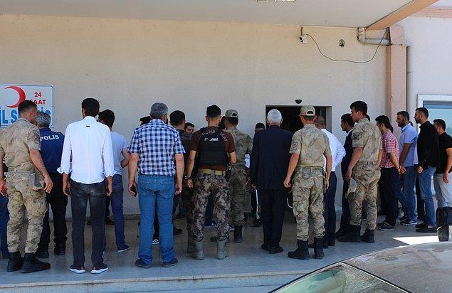 Güvenlik kaynaklarından alınan bilgiye göre, sınırın Iğdır tarafında, güvenlik güçleri ile sınırdan geçmek isteyen bir grup terörist arasında çatışma çıktı.