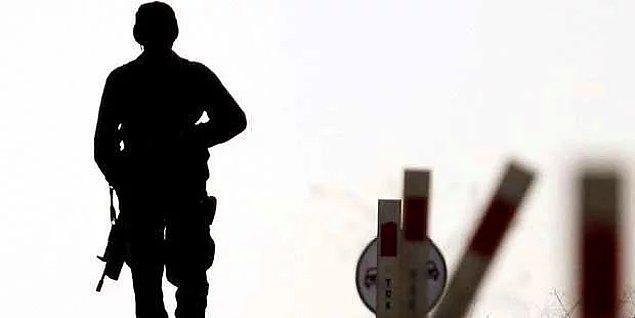 Akşam saatlerinde Hakkari'de yaşanan çatışmada iki asker şehit düştü.