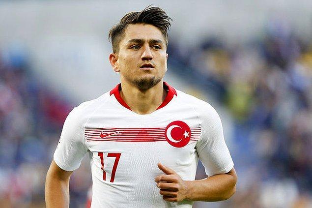 Piyasa değeri 35 milyon euro olarak gösterilen Cengiz Ünder bu sezon sarı kırmızılı ekipte çıktığı 33 resmi karşılaşmada 6 gol atarken, 11 de asist yaptı.