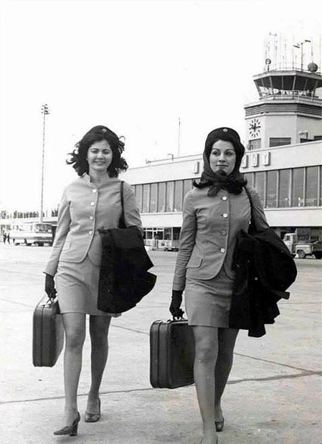 5. Türk Hava Yollar (THY) hostesleri, İstanbul, 1960.