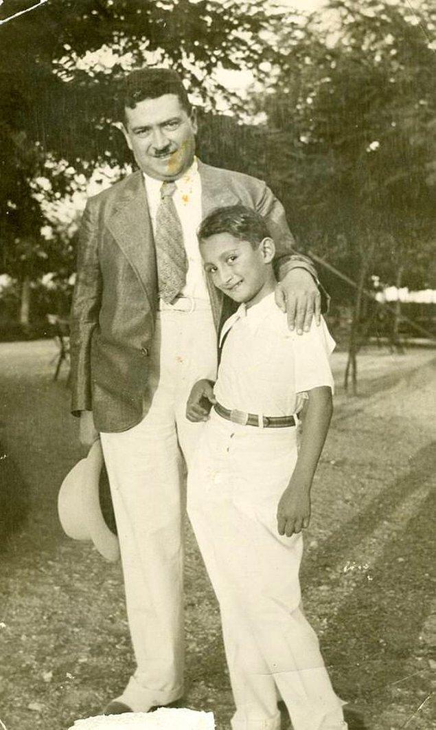 26. Bülent Ecevit'in çocukluğu, İstanbul, 1938.