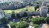16 Asırlık İstanbul Surlarında 'İstilacı Bitki' Tehdidi: 'Tarihi Mirası Yok Ediyor'
