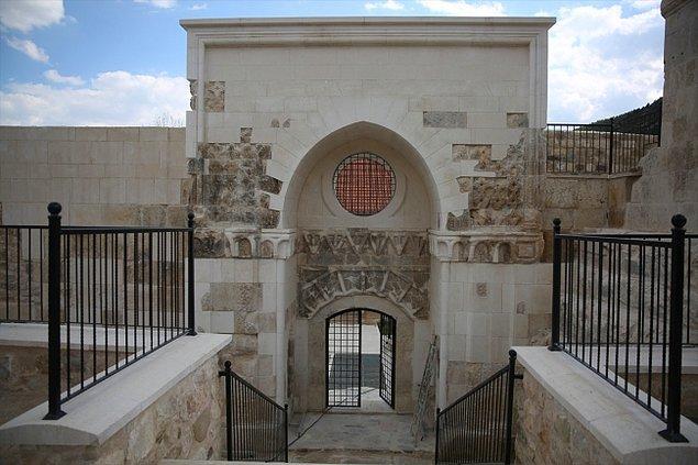Alaaddin Camisi'nin kapısı yok oldu