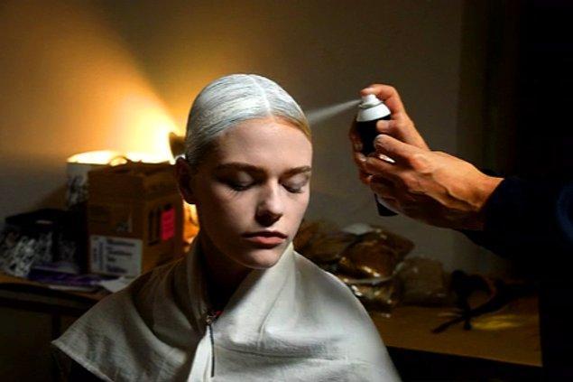 Bilimsel verilere göre asi saçlar bakımsızlığın veya genetik eğilimin sonucu.