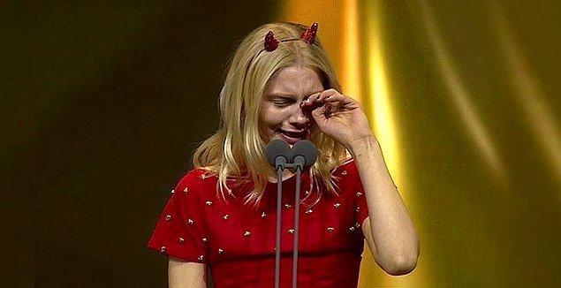 Televizyonda yayınlanan bir magazin programında Aleyna Tilki'nin 5 konserinin iptal edildiği söylendi. Bu iddia da kariyeri kötüye mi gidiyor sorusunu akıllara getirdi.