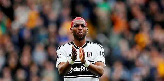 Fulham'la sözleşmesi sona eren 32 yaşındaki futbolcu için Galatasaray bonservis bedeli ödemeyecek. Babel'in sarı-kırmızılılarla 3 yıllık anlaşma yapacağı ve yıllık 2,5 milyon euro ücret alacağı ifade ediliyor.