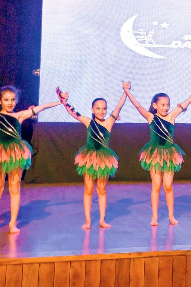 Dansı çok sevdiğini söyleyen Yağmur, üç yıldır dans eğitimini sürdürüyor, birçok çocuğa ve aileye de başarılarıyla örnek oluyor.