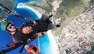 Yamaç Paraşütü Yapan 'Dımbıllan Dayı' Gökyüzünde Tek Kişilik Konser Verdi
