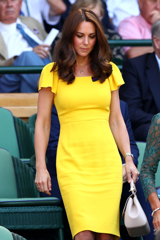 a0448489b6a5c Şık ve Klasik Görünmek İsteyenlere: Yaz Modasında Royal Şıklık ...