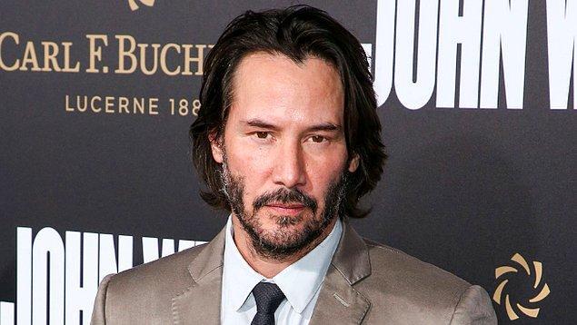 Jolie ve Patricia komşu olduğunda; Angelina Jolie, bu olayı Reeves'e daha yakın olabileceği bir şans olarak gördü.