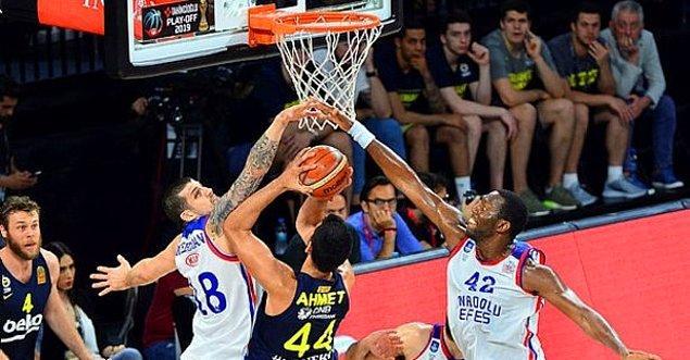 Anadolu Efes, ligde 9 sezondur şampiyon olamıyor.