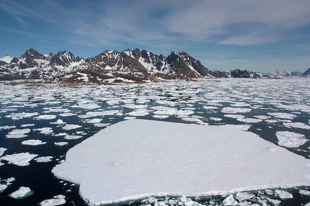 Grönland'in toplam alanının %40'ı erimeye maruz kalmıştı fakat 2019 yılı adeta tarihi rekor rakamları gördü.