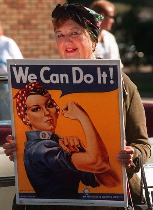 """Fakat bu kadın kimdir hiç kimse bilmiyordu. 1984 yılında evli ve 5 çocuk annesi olan Geraldin Doyle isimli bir kadın """"We can do it"""" posterinin olduğu bir dergide bir makaleye rastladı ve """"Bu kişi benim."""" dedi."""