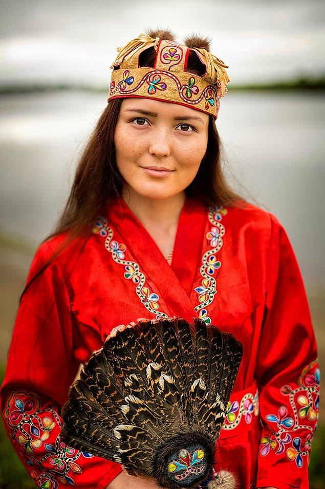 Negidal halkından bir kadın; Amgun Nehri/Doğu Sibirya