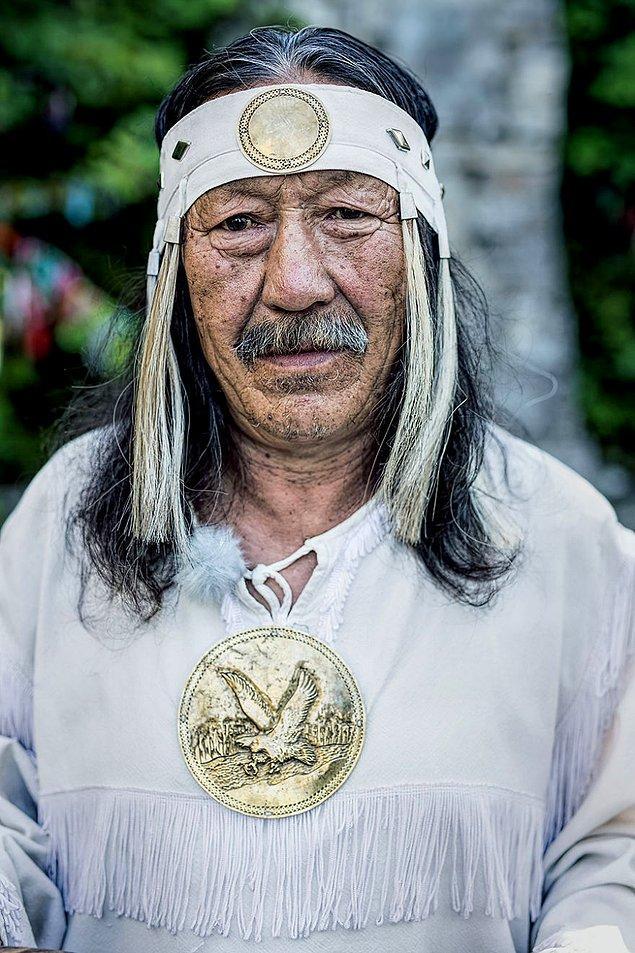 Yakut Şamanı bir adam; Lena Nehri, Yakutistan/ Kuzey Doğu Siberya