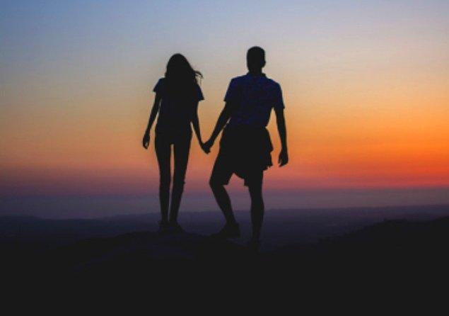 Bumble, Tinder gibi birçok partner bulma uygulamasının elimizin altında olmasıyla, romantik bir ilişki yaşanılabilecek partner bulma ihtimaliniz sayılamayacak kadar yüksek.