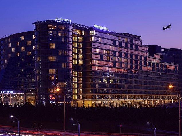 10. Dünya Ticaret Merkezi ve CNR Expo Fuar Merkezi'nden araçla yalnızca 5 dakika mesafede oluşu ve sunduğu son teknoloji imkanlarla mükemmel bir seçenek olan Pullman Istanbul Hotel & Convention Center,