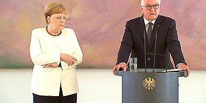 Susuz Kaldım Demişti: Almanya Başbakanı Angela Merkel Yine Titrerken Görüntülendi