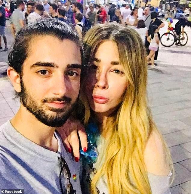 İkisi de Napoli'de düzenlenen şiddet karşıtı bir etkinliğe davet edilmişti.
