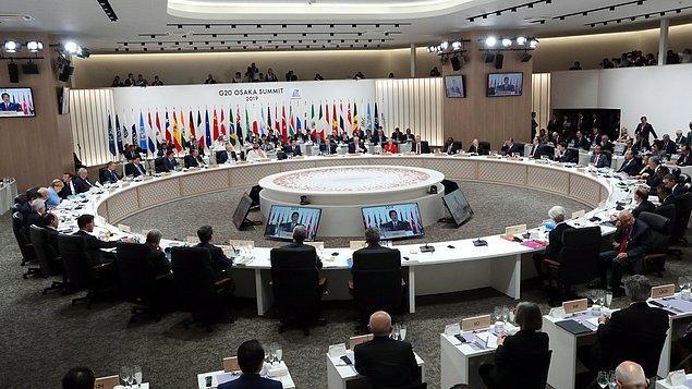 """İlk oturum sonrasında ikili görüşmelerde bulunacak liderler, ardından """"Yenilik"""" adlı oturuma katılacak. Zirvenin ilk günü kültürel etkinlik ve """"G20 Liderler Yemeği"""" ile son bulacak."""