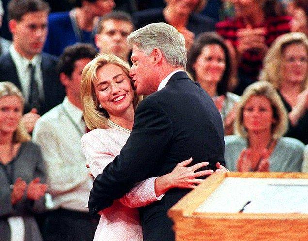 9. Hillary Clinton, Bill Clinton ile evliyken 1993-2001 yılları arasında First Lady'lik yapmıştı. Daha sonra ABD başkanlığına adaylığını koydu. Seçimleri kazanamadı ama çok başarılı bir kadın oldu. Hangi göreve gelmişti?