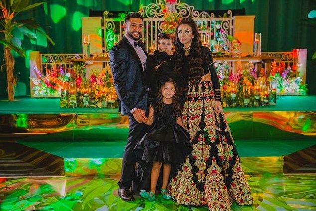New York'ta 2013 yılının Mayıs ayında evlenen çift, renkli dekorasyonlar, dev bir pasta, aile üyeleri ve arkadaşlarıyla birlikte kızlarının doğum gününü kutladılar.