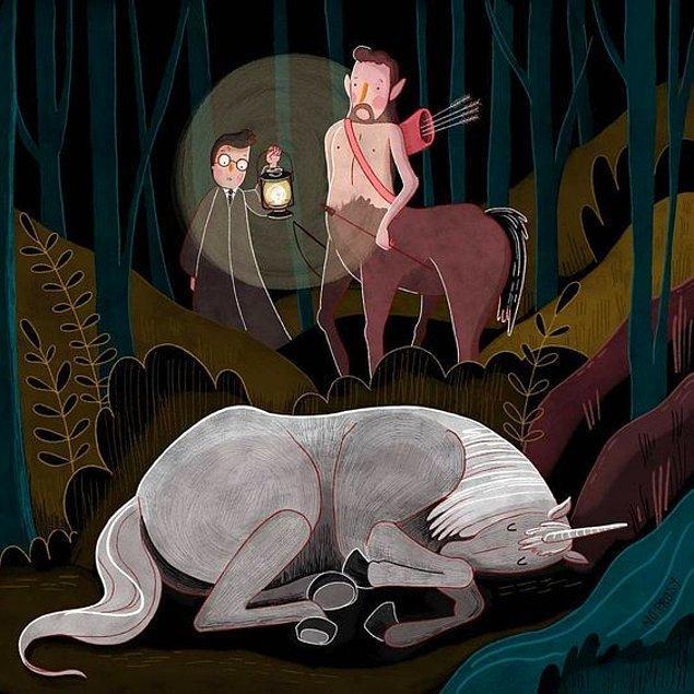 5. Serinin beşinci filmi Zümrüdüanka Yoldaşlığı'nda ilk filmde de karşımıza çıkan karakterler Centaurları görüyoruz. Mitolojide de Centaurlar yarı at yarı insan formunda iyi karakterde yaratıklardır.