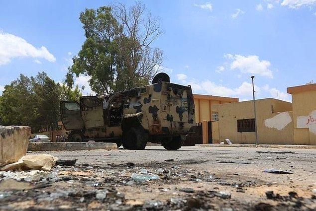 Hafter Nisan başında Libya hükümetini tanımadığını açıklamış ve silahlı mücadele çağrısında bulunmuştu.