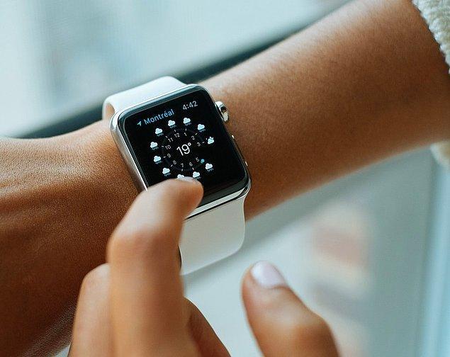 11. Akıllı saatler ve fitness bileklikleri