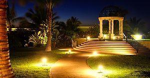 Yaz Gecelerinin Tadını Açık Havada Doyasıya Çıkarmanızı Sağlayacak Güneş Enerjili Lambaları Tanıyın!
