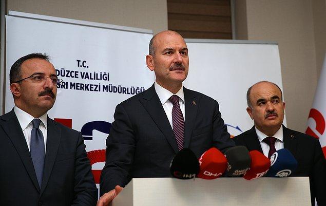 İçişleri Bakanı Süleyman Soylu, helikopterle geldiği kentte AFAD il binasında oluşturulan kriz merkezinde açıklamalarda bulundu.