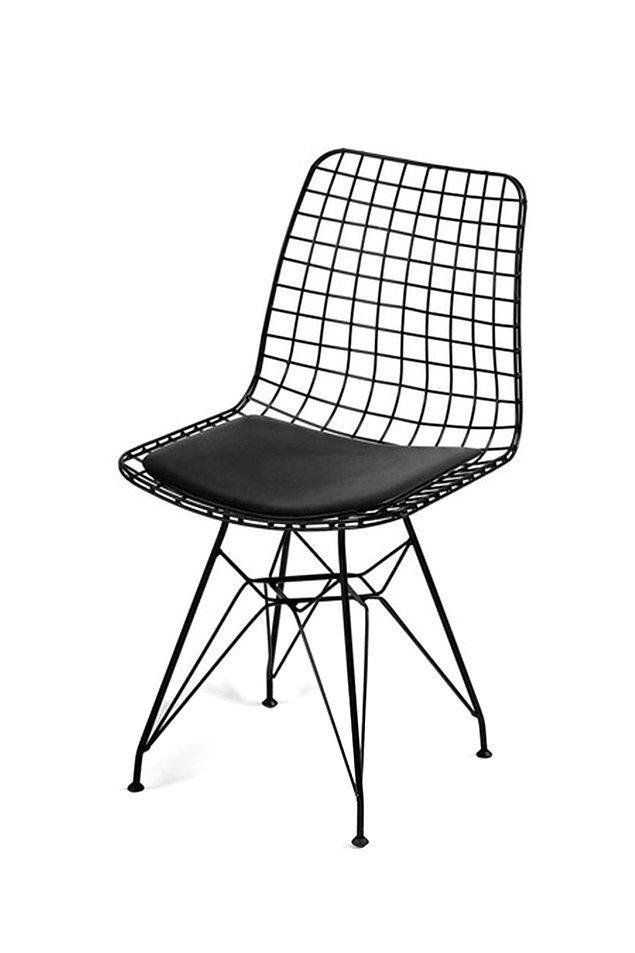Bu tasarım çalışma masasına elbette ki tasarım bir sandalye eşlik etmeli.
