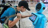 İstanbul Havalimanı'nın Robotları Göreve Başladı: 'Allah Sana da Namaz Kılmayı Nasip Etsin'