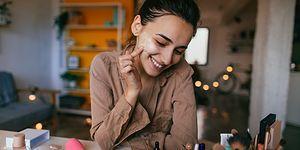 Tozutmayan Fardan, Dağılmayan Eyeliner'a: Onedio Editörlerinin Favori Makyaj Ürünleri!
