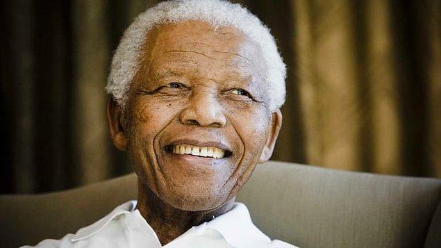 1962 - Güney Afrika'da Mandela, ülkeyi yasa dışı yollardan terk etmek suçundan 5 yıl hapse mahkûm edildi.