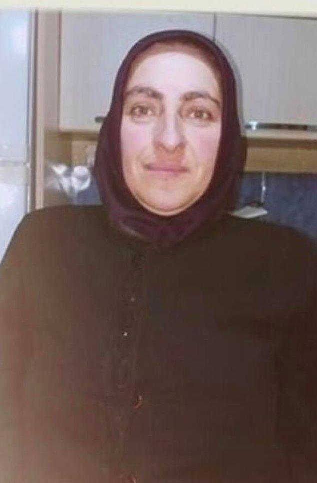 Aranan kişi 4 çocuk annesi Ayşe Altuntaş. 18 Temmuz'da sabah saat 5 civarında İstanbul Sultangazi'deki kızının evinden çıkmış ve bir daha geri dönmemiş. Eşiyle resmi olarak ayrılmasalar da kızıyla birlikte yaşıyormuş.