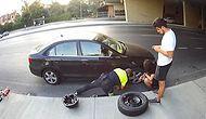 Lastiği Patlayan Araçtaki Gençlerin Yardımına Koşarak Aracın Lastiğini Değiştiren Trafik Polisi!