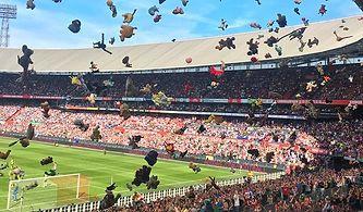 Feyenoord Maçına Davet Edilen Hasta Çocuklara Muhteşem Sürpriz!