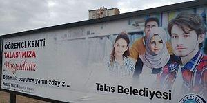 Kayseri'de Photoshoplu Billboard: Talas Belediyesi Ünlü Yıldız Selena Gomez'e Başörtüsü Taktı