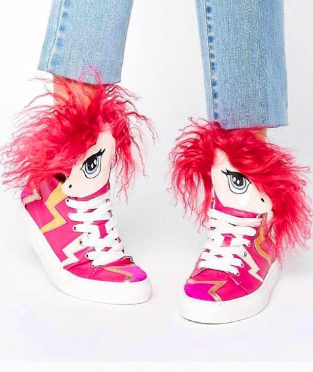 8. Bir dönem bu spor ayakkabılar çok modaydı, pek çok büyük markanın oyuncaklı ayakkabıları vardı.
